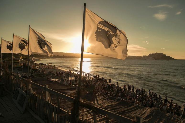 La Corse, plage et festival en 2015