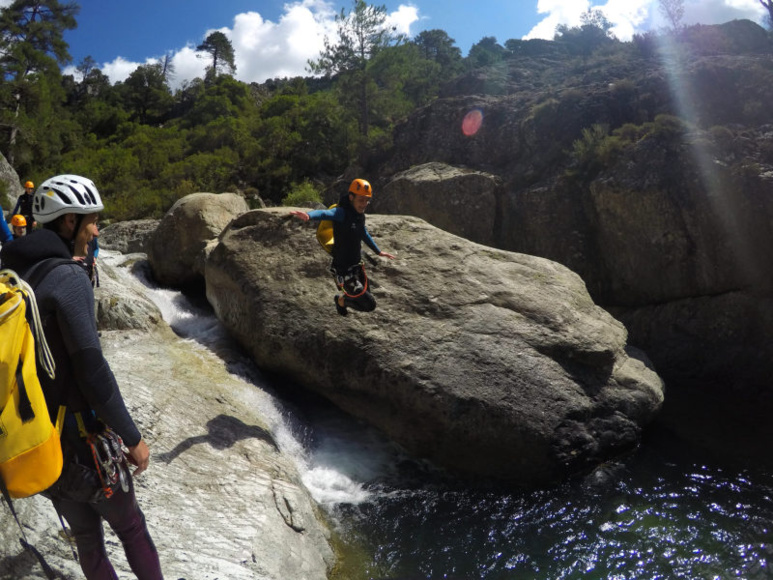 On a testé pour vous : le canyoning du Verghellu avec Couleur Corse