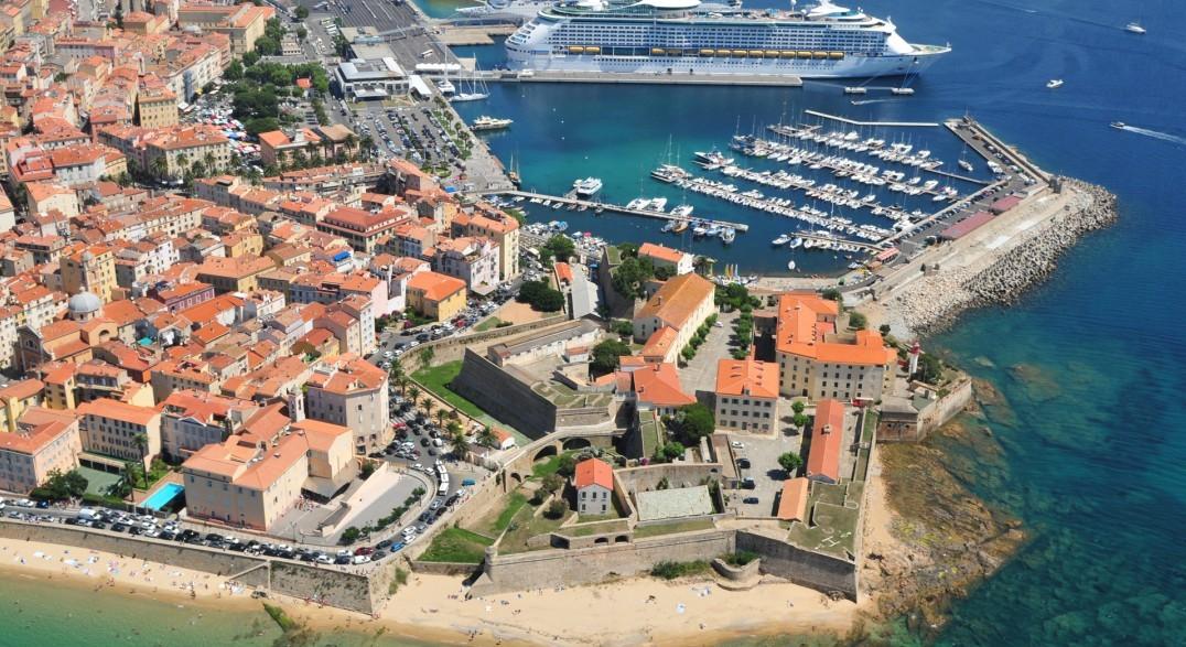 Le vieux port d'Ajaccio