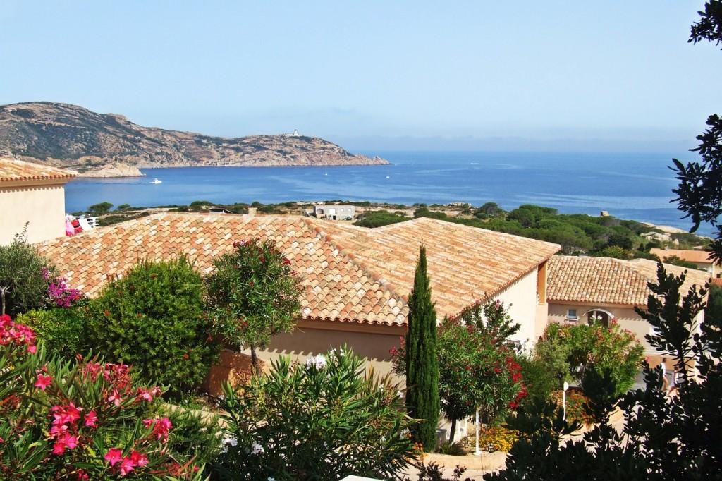 Vivre en Corse et devenir propriétaire : pourquoi pas ?