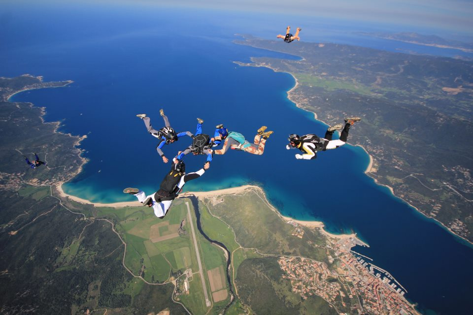 Chute libre dans le Valinco ( Ecole Parachutisme Propriano)