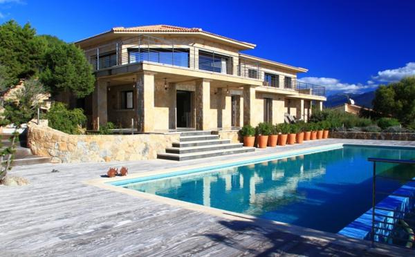 Location de villas en Corse, le succès du très haut de gamme